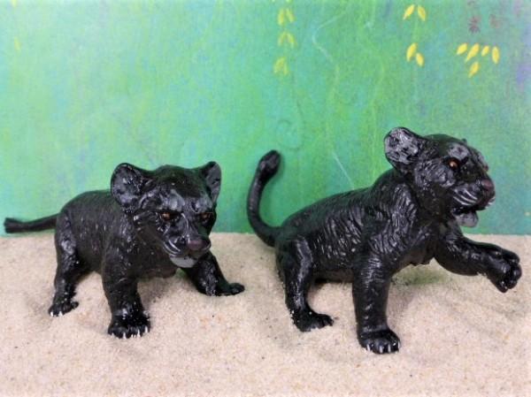 Schwarze Pantherjunge - spielend - 2er Set