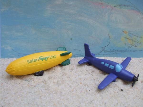 'Little Plains' - Luftschiff & Kleines Propellerflugzeug