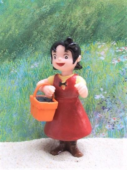 'Heidi' - Mädchen mit kleinem Korb