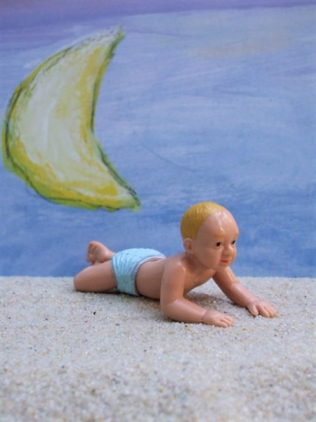 'Babys of the World' - Europäisches Baby... in Bauchlage