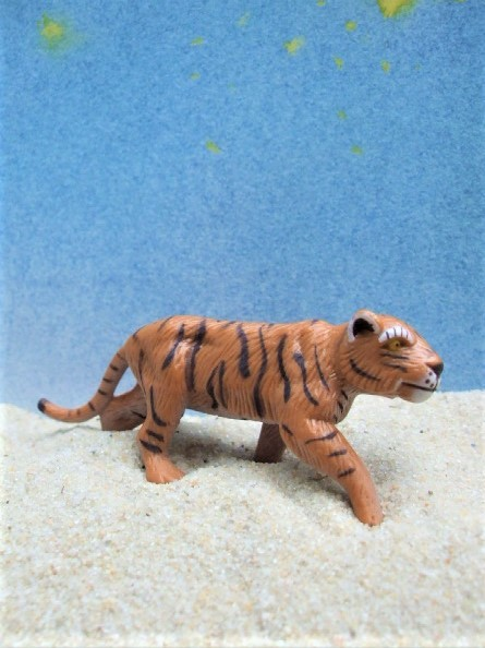 Brauner Tiger ... laufend - 'Circus Mondolino'