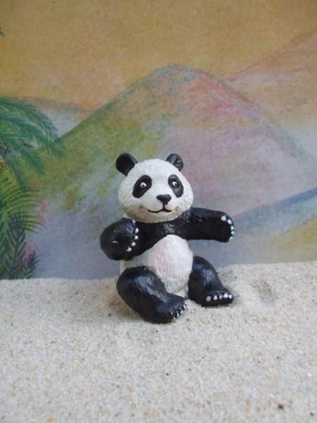 Pandabär - sitzend