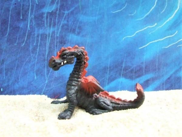 Schwarz-roter Drache / Jungtier - Serie 'Micro Drachen'