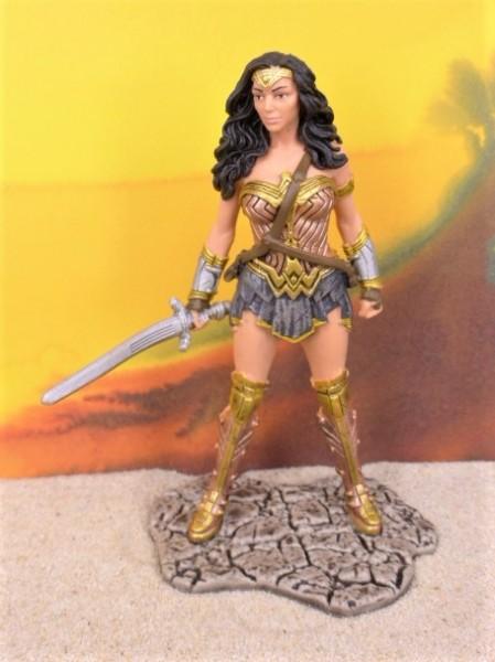 'Wonder Woman' / Amazone ... mit Schwert