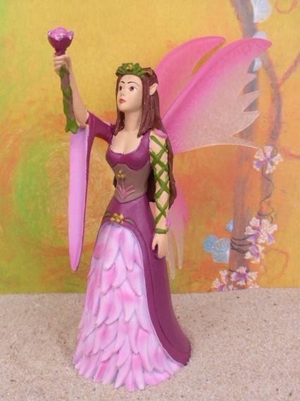 Elfenkönigin 'Valaria' ... mit Blütenstab