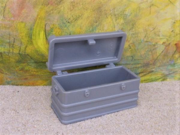 Truhe / Kiste in Metalloptik ... mit beweglichem Deckel