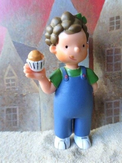 Mädchen 'Madalena' ... mit Muffin