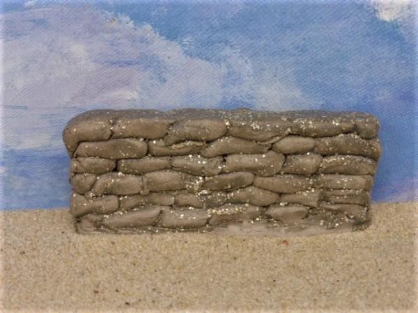 Kurze Steinmauer