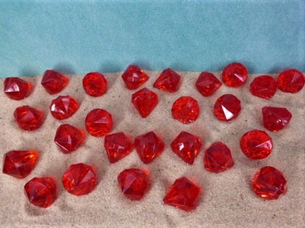 'Diamanten' in Tropfenform - rotes Acrylglas