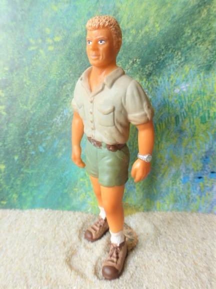 Blonder Mann / Wanderer in Shorts