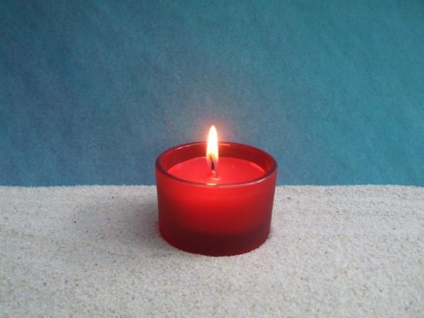 Rote Frostglas-Kerze