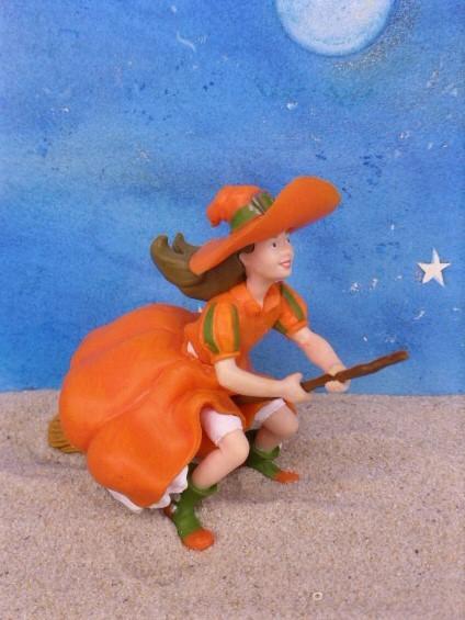 Junge Hexe ... fliegt auf Besen