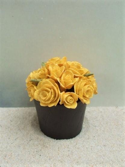 Blumentopf 'Gelbe Rosen'