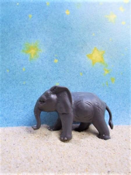 Laufendes Elefantenbaby A - 'Circus Mondolino'
