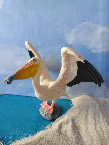 Pelikan ... mit Fisch