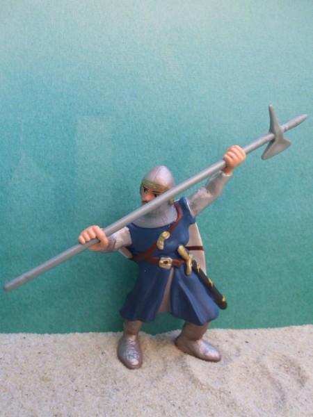 Kämpfender Ritter mit Hellebarde - blau