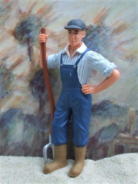 Junger Bauer ... mit Mistgabel