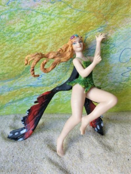 Tanzende Elfe ... mit bunten Flügeln