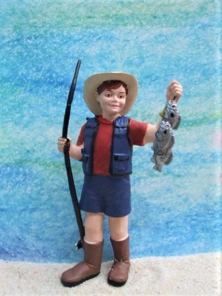 Junge 'Toby' ... mit Angelrute & Fischen